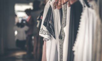 capsule wardrobes are ideal for moms