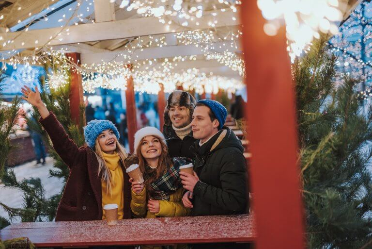 The best simple and frugal family Christmas traditions