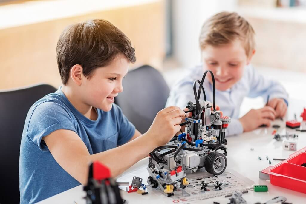 best toys to encourage imagination and creativity