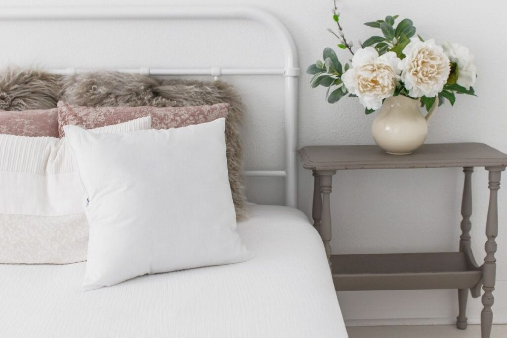 how to create a relaxing bedroom sanctuary