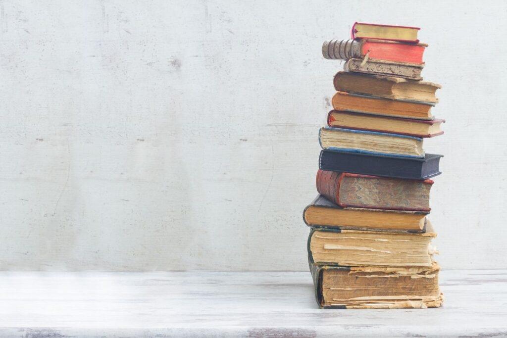 best way to organize books