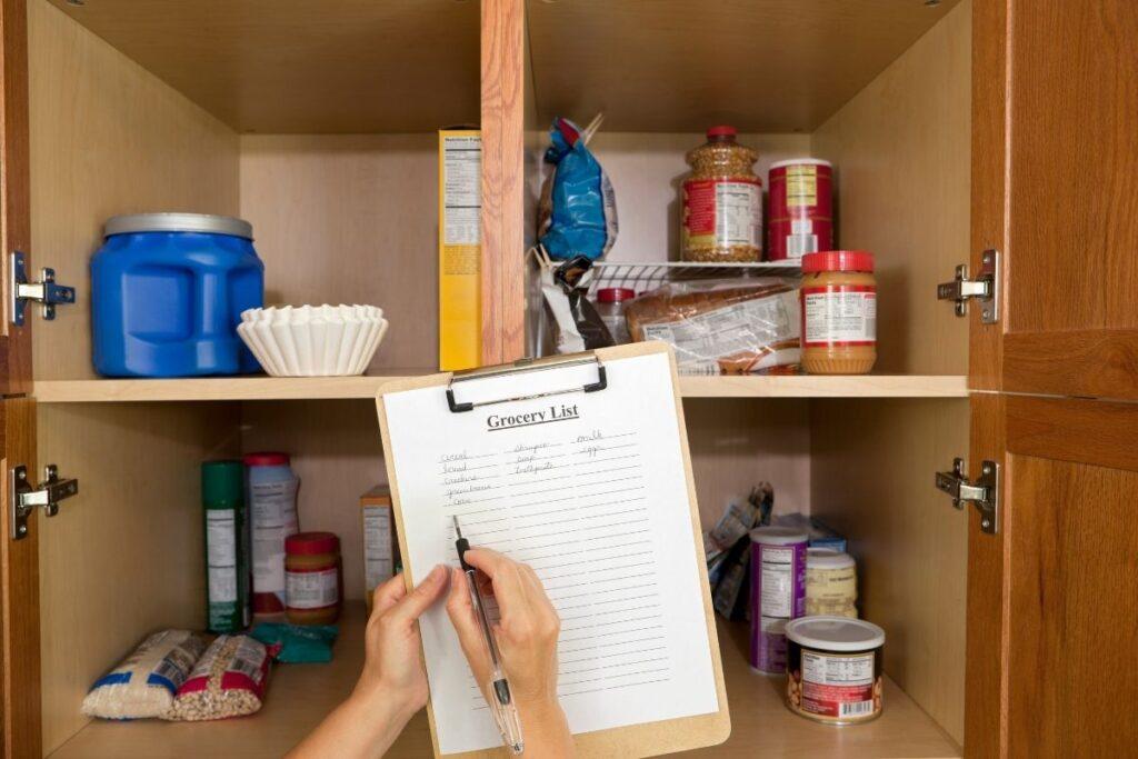 declutter organize pantry